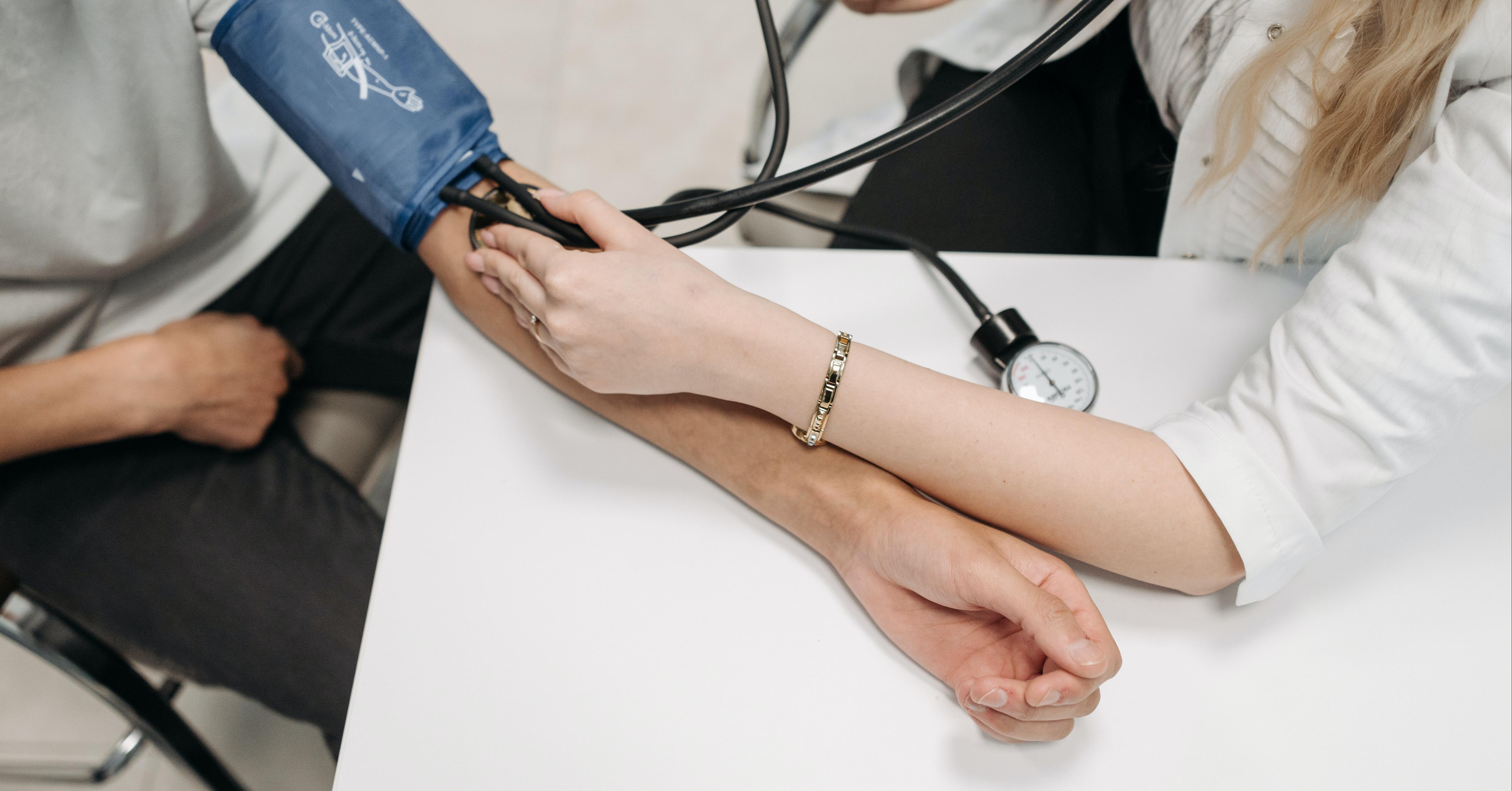 reglarea-tensiunii-arteriale-remedii-naturale-eumed